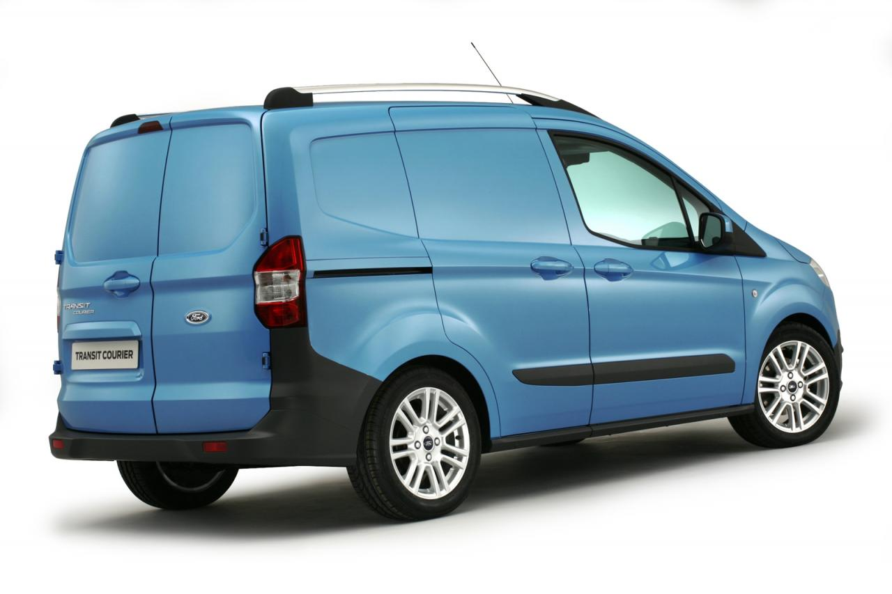 ford_transit_courier_2013_1